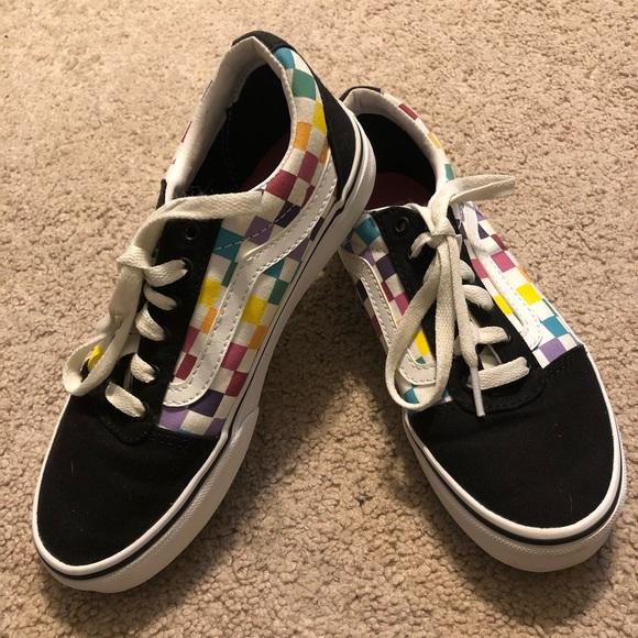 Vans Ward Girls Rainbow Checkered Skate